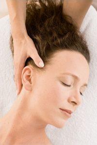 hoofdpijnmassage-penseelmassage